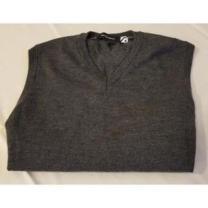 ⚡Saks 5th Avenue Sweater Vest